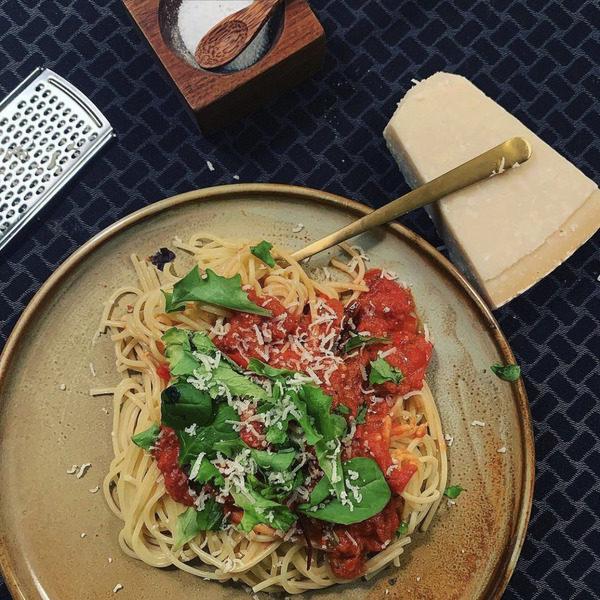 Lækker spaghetti med tomatsauce
