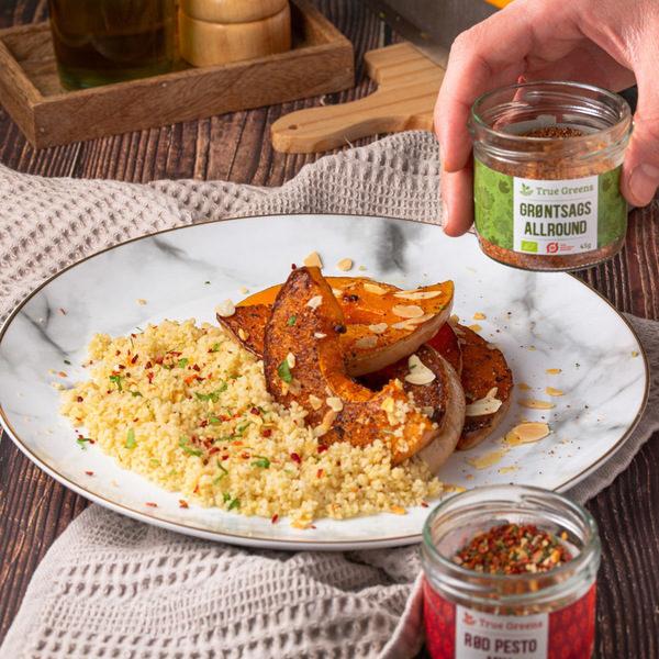 Stegte, krydrede butternut squash med couscous